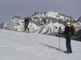 Con raquetas o Esquís