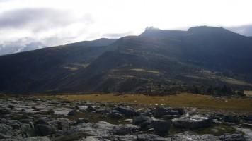 Cordal de cumbres, con el pico Urbión al fondo.