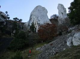 Foto 3. El Saltadero y los Riscos de la Monja